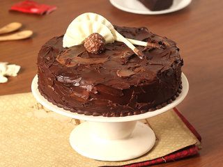 Couverture Hazelnut Chocolate Cake in Ghaziabad