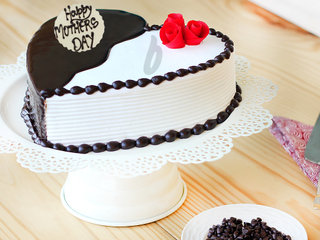 Heart Shaped Choco Vanilla Cake For Moms Day