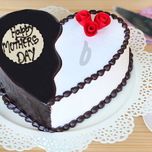 https://media.bakingo.com/sites/default/files/delicious-melody-a-mothers-day-special-cake-C.jpg