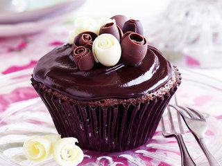 Chocolate Shavings Garnish Cupcake
