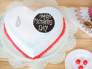 Order Heart Shaped Fondant Vanilla Cake For Mothers Day