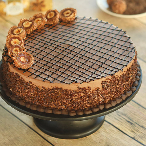 https://media.bakingo.com/sites/default/files/ferrero-rocher-cake-cake1277choc-D.jpg