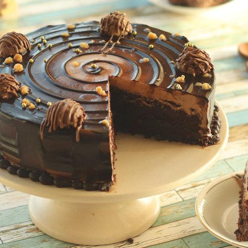https://media.bakingo.com/sites/default/files/ferrero-rocher-choco-cake-cake1268choc-C.jpg