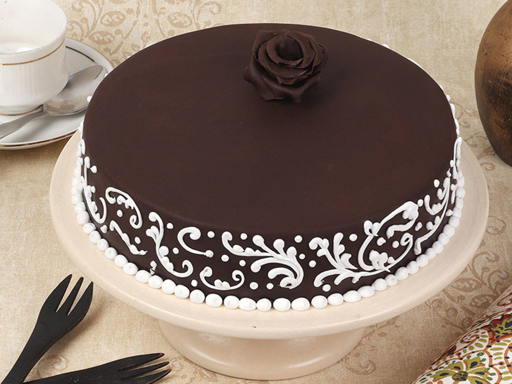 Fondant Cake With Rose