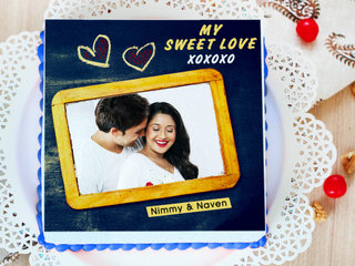 Heart-Liciously Yours - A personalised photo cake for valentine