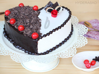 Zoom View of Heart Shaped Black Forest Vanilla Cake