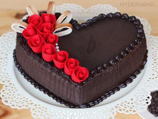 Zoom View of Heart Shaped Choco Truffle Cake