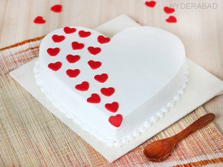 A Hearty Touch - Heart Shaped Vanilla Cake in Hyderabad