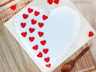 Top View of A Hearty Touch - Heart Shaped Vanilla Cake in Hyderabad