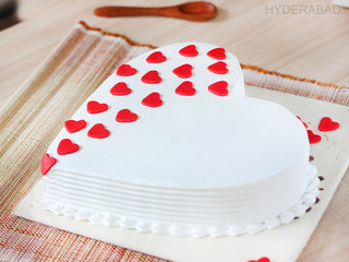 Side View of A Hearty Touch - Heart Shaped Vanilla Cake in Hyderabad
