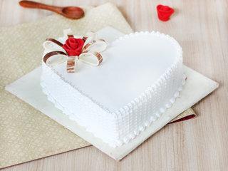 Floral Fun - A Heart Shaped Vanilla Cake