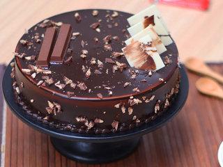 KitKat Chocolate Cake in Ghaziabad