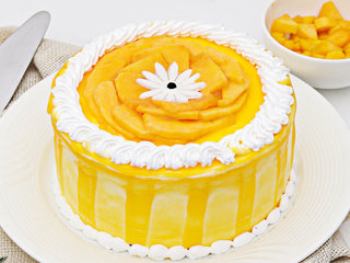 Creamy Mango Cake