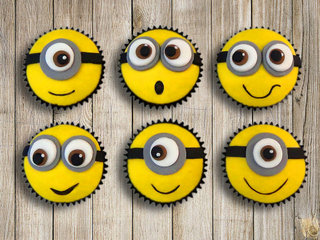 Minion Cup Cake for Birthday