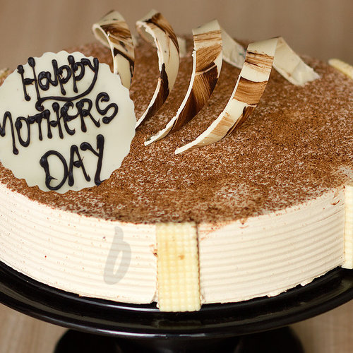 https://media.bakingo.com/sites/default/files/my-coffee-lover-mom-a-mothers-day-special-cake-C.jpg