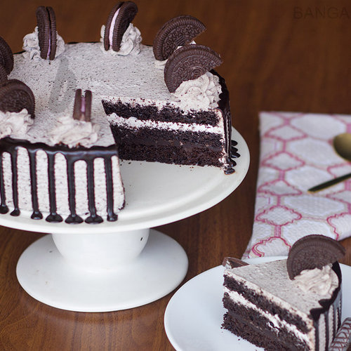 https://media.bakingo.com/sites/default/files/oreo-choco-cake-in-bangalore-cake0982flav-b.jpg