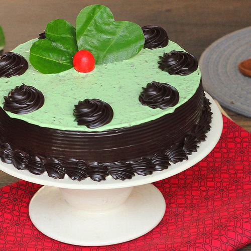 https://media.bakingo.com/sites/default/files/paan-lovers-treat-in-delhi-cake0898flav-a.jpg