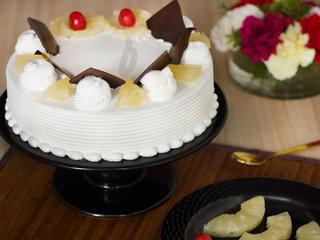 Pineapple Classique - A Pineapple Cake