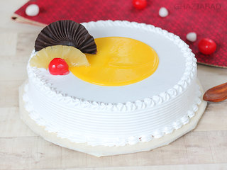 Tangy Pineapple Slice Cake in Ghaziabad