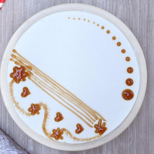 https://media.bakingo.com/sites/default/files/pineapple-round-shaped-cake-5-noida-cake1018pine-B.jpg