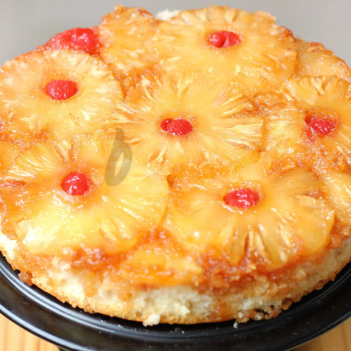 https://media.bakingo.com/sites/default/files/pineapple-upside-down-cake-in-delhi-cake0899flav-c.jpg