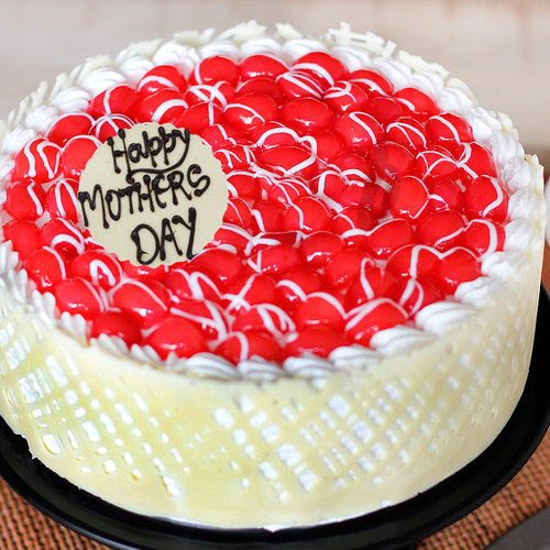 https://media.bakingo.com/sites/default/files/queens-choice-a-mothers-day-special-cake-C.jpg