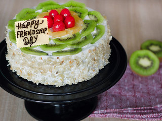 Kiwi Fruit Cake For Friendship Day