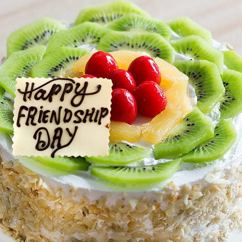 https://media.bakingo.com/sites/default/files/ravishing-delicacy-cake-for-friendship-day-B_0.jpg