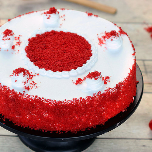 https://media.bakingo.com/sites/default/files/red-velvet-flavored-cake-cake1249redv-A.jpg