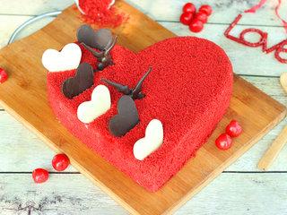 Hearty Velvet Love Cake in Ghaziabad