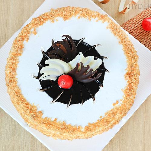https://media.bakingo.com/sites/default/files/round-shaped-butterscotch-cake-2-in-hyderabad-cake863butt-B.jpg