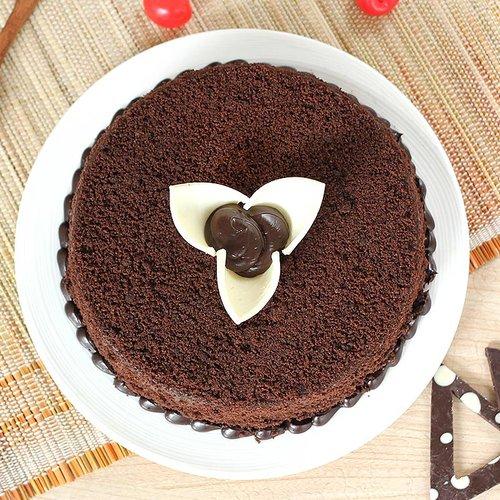 https://media.bakingo.com/sites/default/files/round-shaped-chocolate-cake-2-cake1936choc-B.jpg