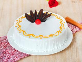 The River Of Cream - Round Shaped Vanilla Cake in Delhi