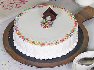 Circle of Joy- Round Shaped Vanilla Cake in Noida