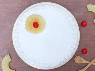 Top View of Incredible Vegan Vanilla - Round Shaped Vanilla Cake in Ghaziabad