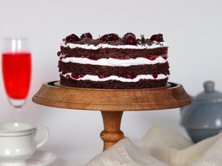 Side VIew of Semi Naked Blackforest Cake