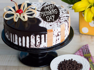 Choco Vanilla Special Cake For Mothers Day