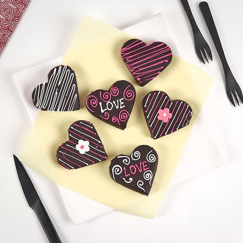 https://media.bakingo.com/sites/default/files/set-of-3-chocolate-love-brownies-brow2023-B.jpg