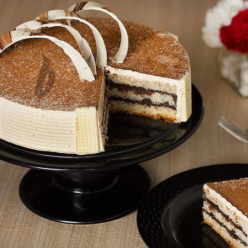 https://media.bakingo.com/sites/default/files/sliced-view-of-coffee-cake0841flav-b.jpg