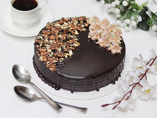 Snickers Cake With Nuts