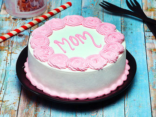 Strawberry Cake for Mother