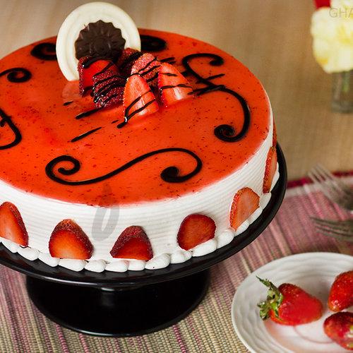 https://media.bakingo.com/sites/default/files/strawberry-cake-in-ghaziabad-cake0846flav-a.jpg