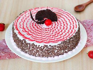 Strawberry Rush Cake in Ghaziabad