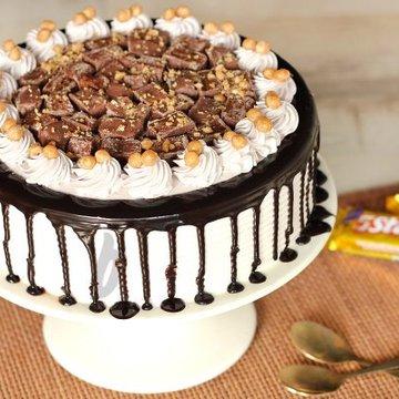 https://media.bakingo.com/sites/default/files/styles/product_image/public/5-star-cake-in-delhi-cake0771flav-a.jpg?tr=h-360,w-360