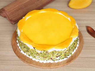 Round Shaped Mango Cake