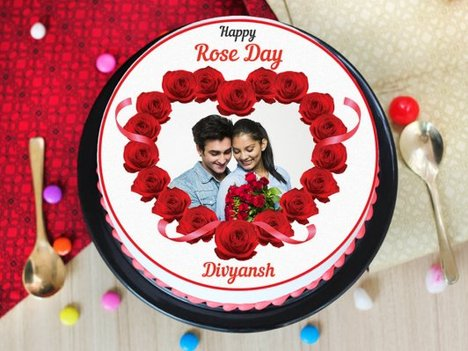 A rose day special photo cake