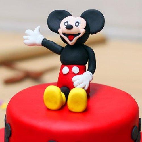 https://media.bakingo.com/sites/default/files/styles/product_image/public/Theme-Cake-01-B.jpg?tr=h-500,w-500