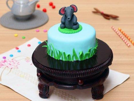 Baby Elephant Theme Cake