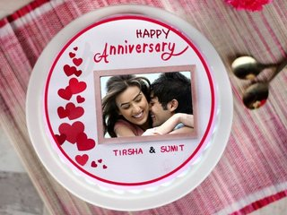 Round Shape Anniversary Photo Cake