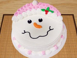 Snowman Treat - A Delicious Cake